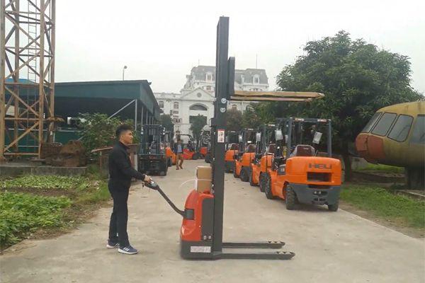 Xe Nâng Tay Điện Cao 1 Tấn Heli CDD10-070