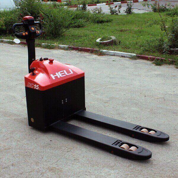 xe nâng tay điện thấp 1.5 tấn heli