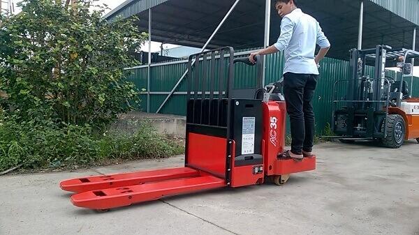 xe nâng tay điện heli 3.5 tấn cbd35-510 uy tín