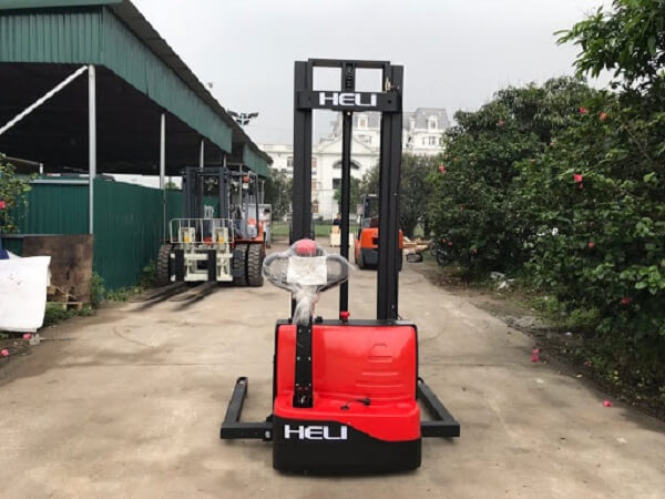 xe nâng tay điện chân rộng 1 tấn heli cdd10-050