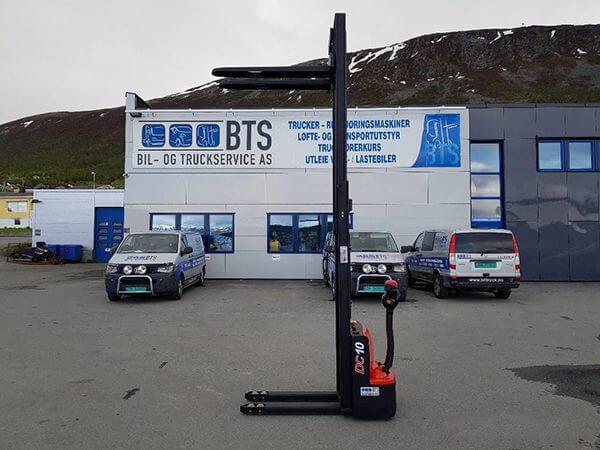 xe nâng tay điện cao 1 tấn cdd10-070 heli