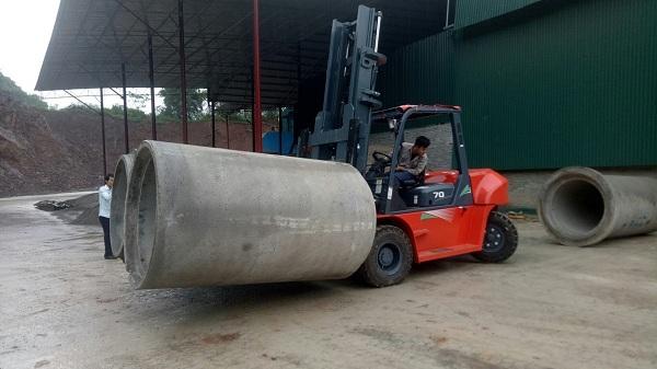 liên hệ mua xe nâng ống cống bê tông