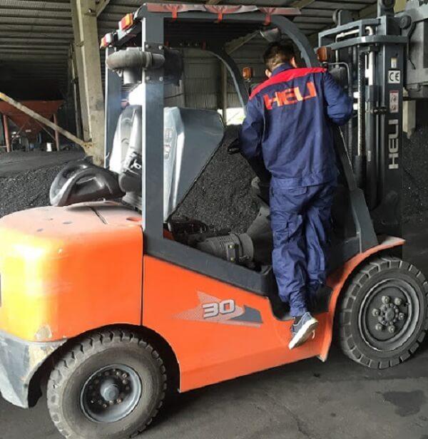 sửa chữa xe nâng dầu 3 tấn heli