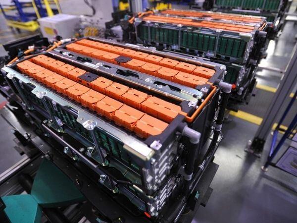 Pin lithium trên xe nâng Heli